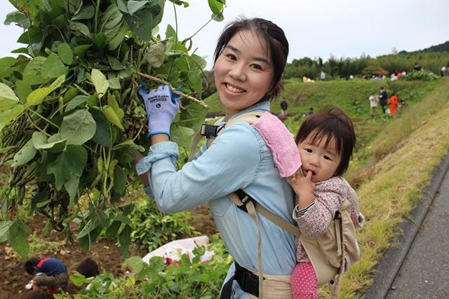 君津市長賞 「母と子の枝豆収穫祭」 松戸市 山口徳子